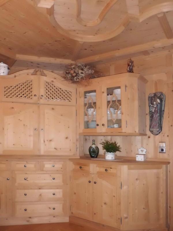 Stube stube innsbruck innenausbau sponring tischlerei for Bauernstube modern einrichten